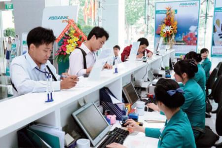 Học Tài chính ngân hàng ra làm gì? Học Tài chính ngân hàng ra làm ở đâu?