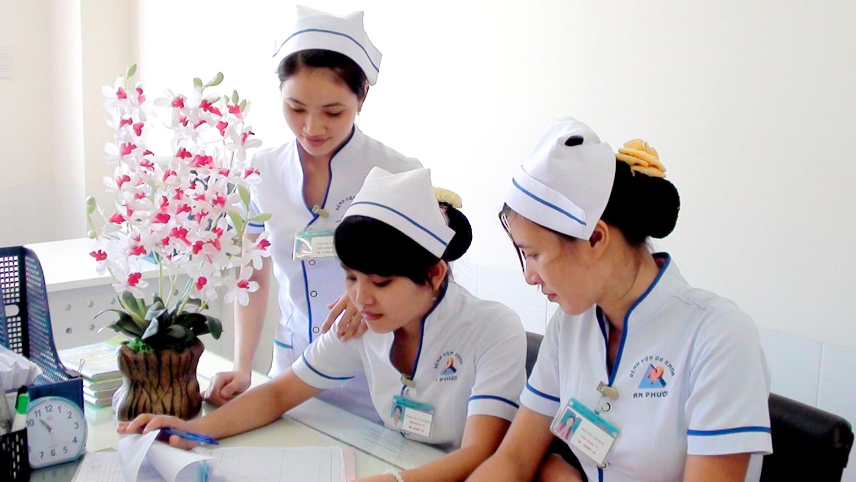 Giải đáp: Học điều dưỡng khó không?