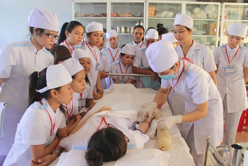 Cao đẳng Y khoa Phạm Ngọc Thạch tuyển sinh 2019