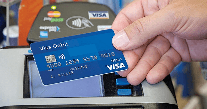 thẻ visa có rút tiền được không