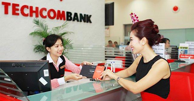 làm thẻ visa techcombank mất bao nhiêu tiền