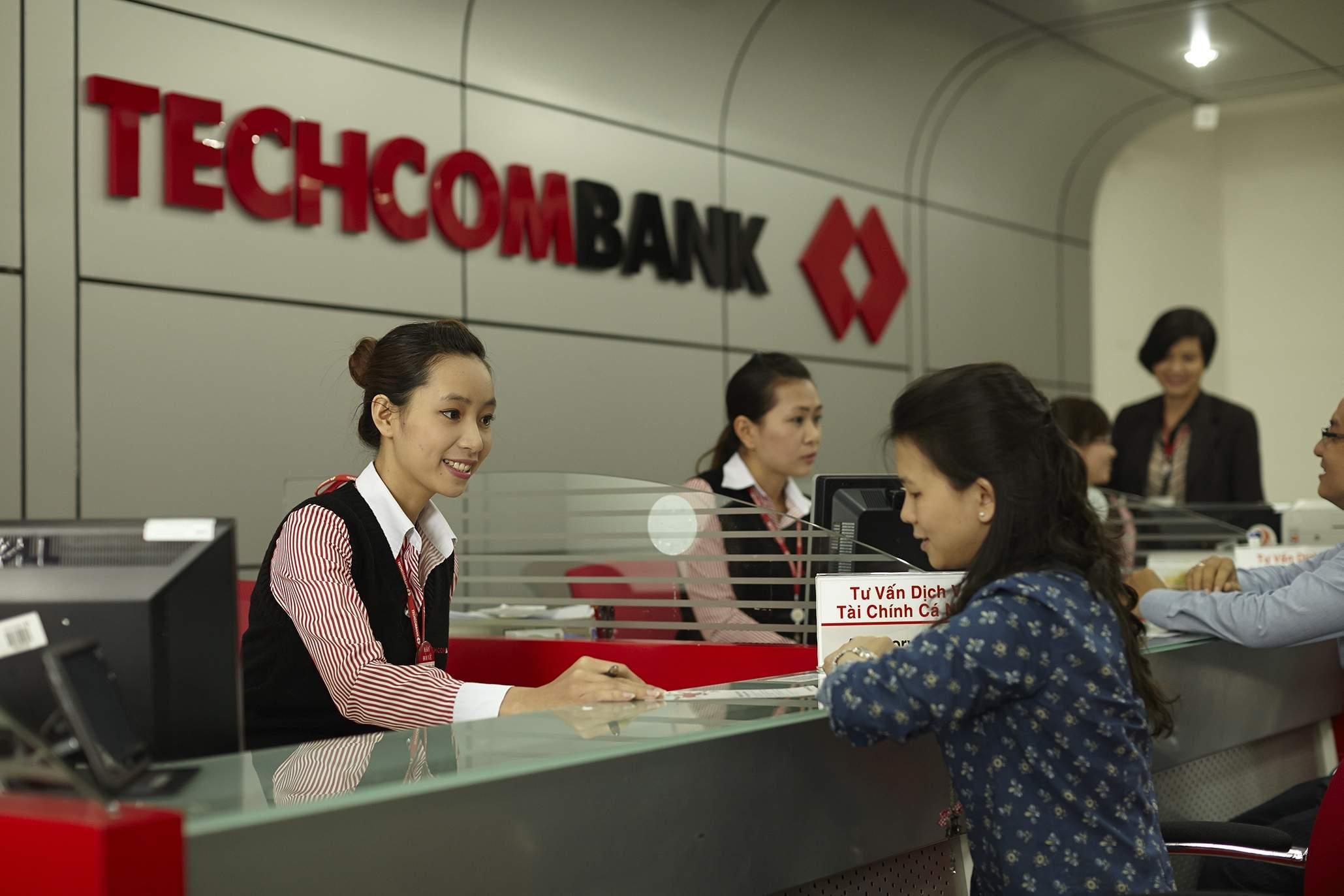 làm thẻ visa techcombank online